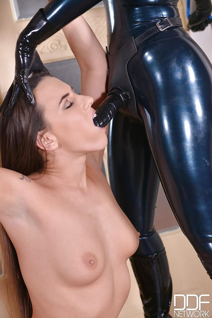 Fetish Bdsm Lezdom Sex With Latex Lucy Ass Fucking Sex -4517