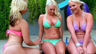 juicy blonde took off bikini by the pool and fucked threesome