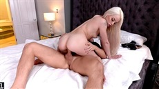 feet in cum porn with elsa jean, which is cool to roast.