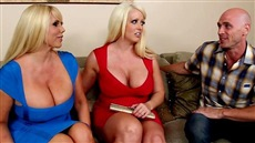 tits mature housewives called fuck bald guy