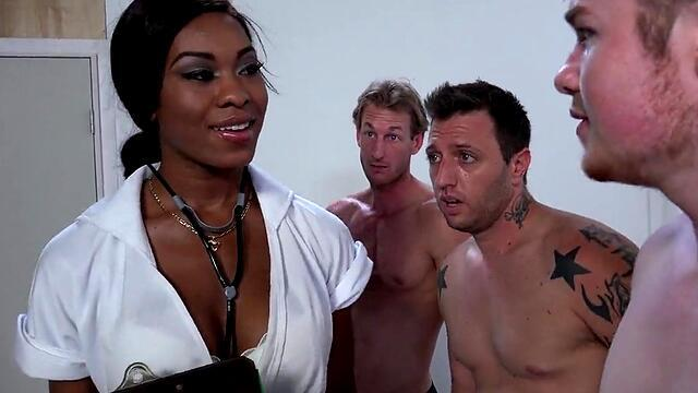 alexis monroe jerks off on a casting and fucks with cusotom in the mouth