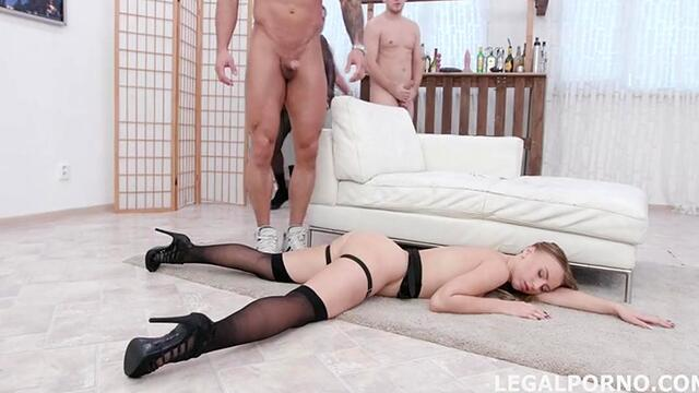 artful blowjobs sucking guy's bolt and gets cum in mouth