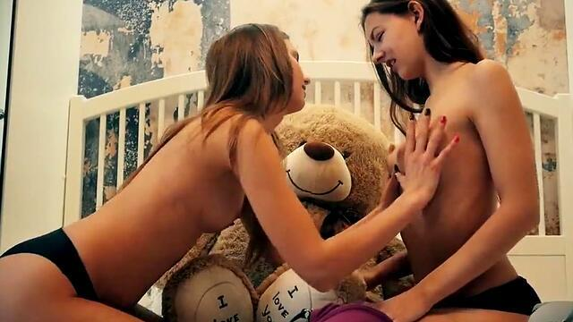 sexy lesbian girlfriends up in the tub and licking horny pussy